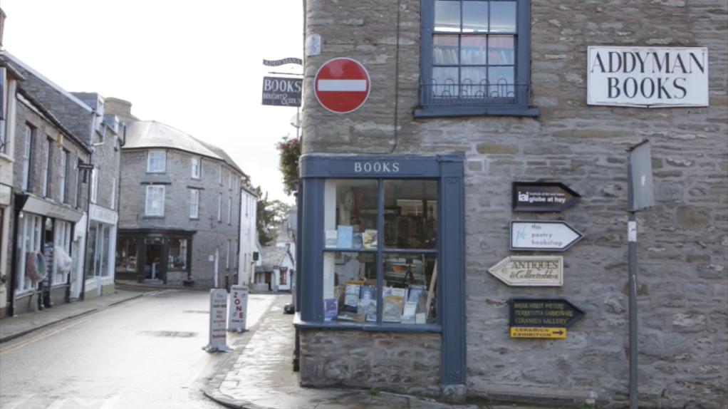 Bookstore Hay